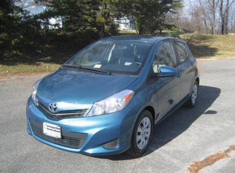 2014 TOYOTA Yaris LE Hatchback Sedan 4D