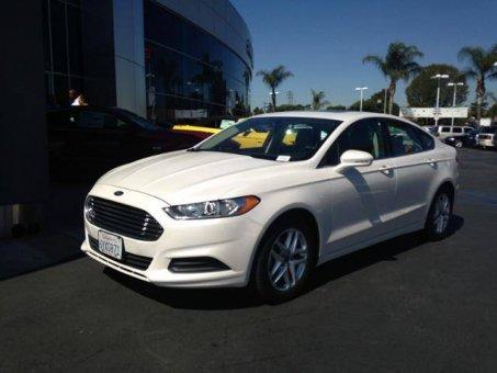 ?????????2013 Ford Fusion SE w/Navigation