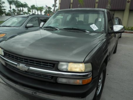 2000 Chevrolet 1500 4X2 EXT SILVER LS