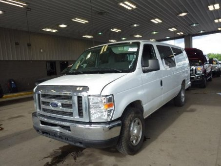 2013 Ford E350 CLUB WAGON XLT