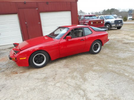 1984 porsche  944  shows 74555 miles  new paint 5sp
