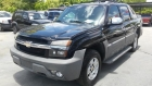 2002 Chevrolet AVALANCHE image-0