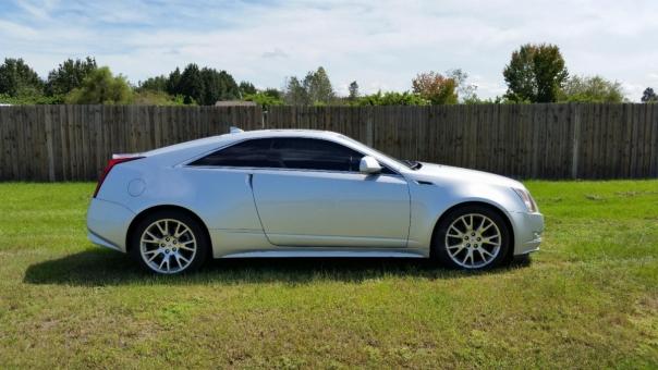 2011 Cadillac CTS 4X2 V6 PREMIUM