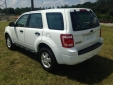 2010 Ford ESCAPE XLS image-3