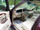 2006 Lincoln TOWN CAR image-9