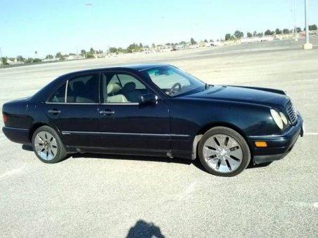 1997 Mercedes-benz e320 V4 -Black- Auto