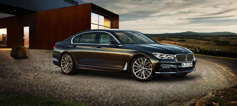 BMW recalling its 2005-8 7 Series sedans for door issue