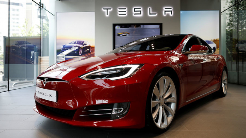 Tesla Will Be The First Automaker To Lose The Tax Credit For EVs