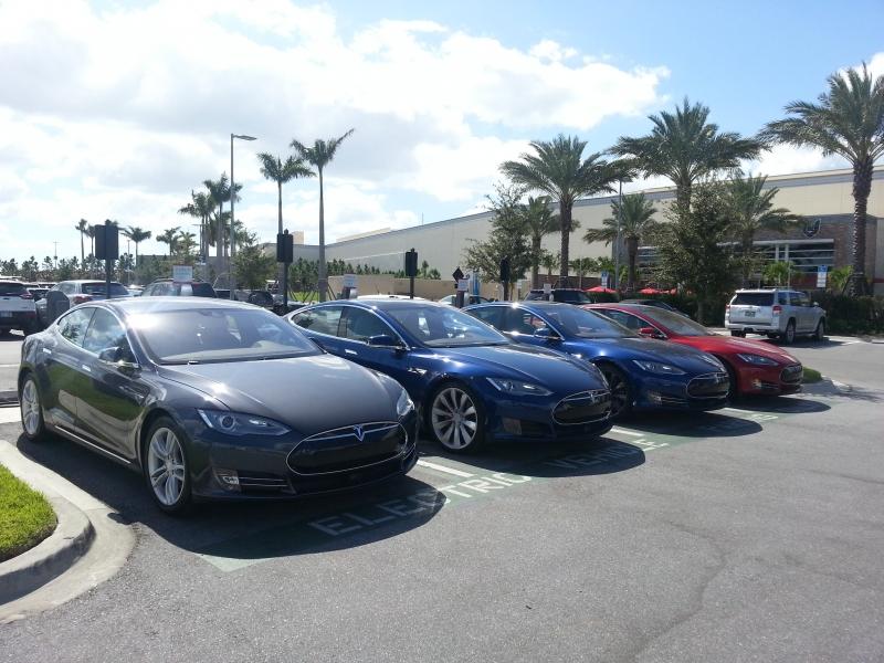Green car sales pass half a million in U.S.
