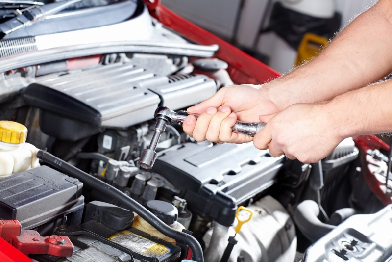 Revenues at car repairs rise, while car sales slump