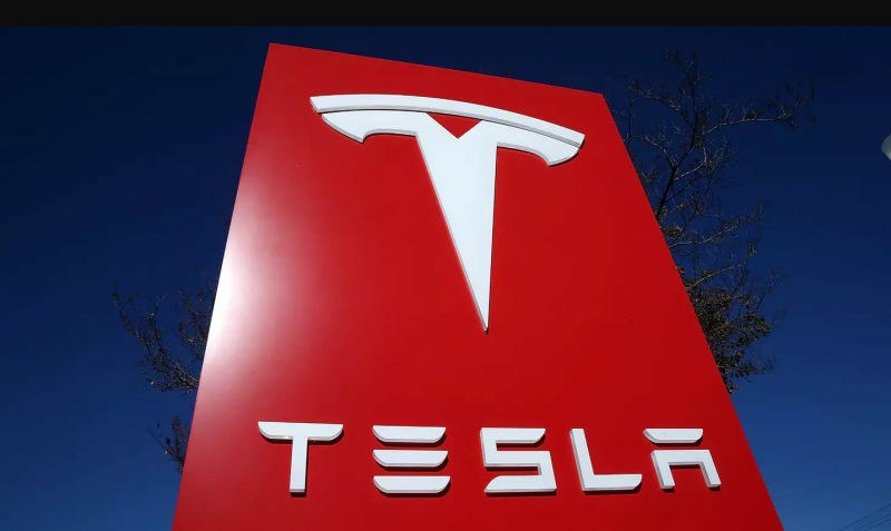 Tesla fires 400 employees for an unknown reason?