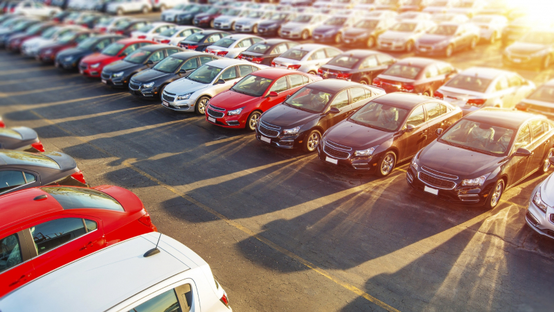 Auto Dealers Fear That Good Times Are Over As Interest Rates Rise
