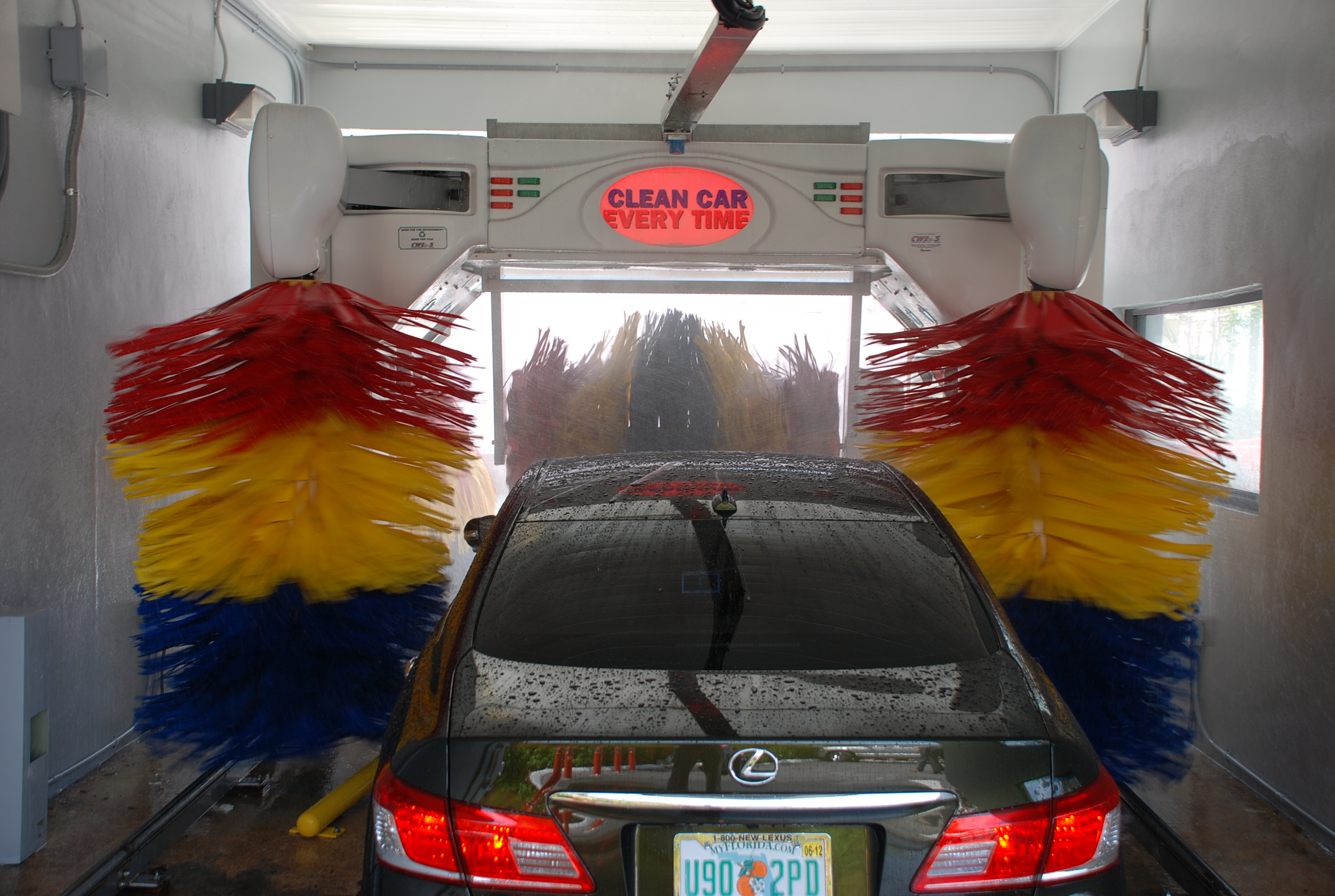 automatic car wash,  automatic car wash safe,  keep car clean,  car's finish, remove dirt car,  wash car in sunlight