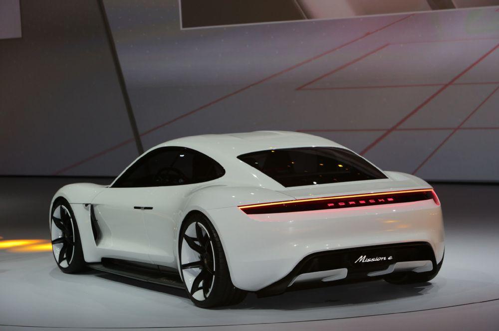 New Porsche hybrid car