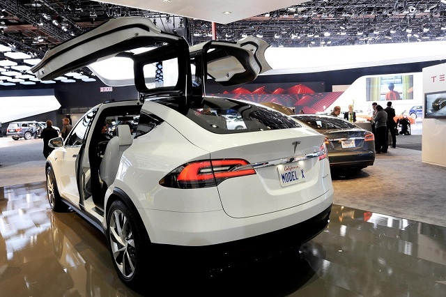 At 80 000 The Est Model X Called 70d Is 5 More Than S Sedan