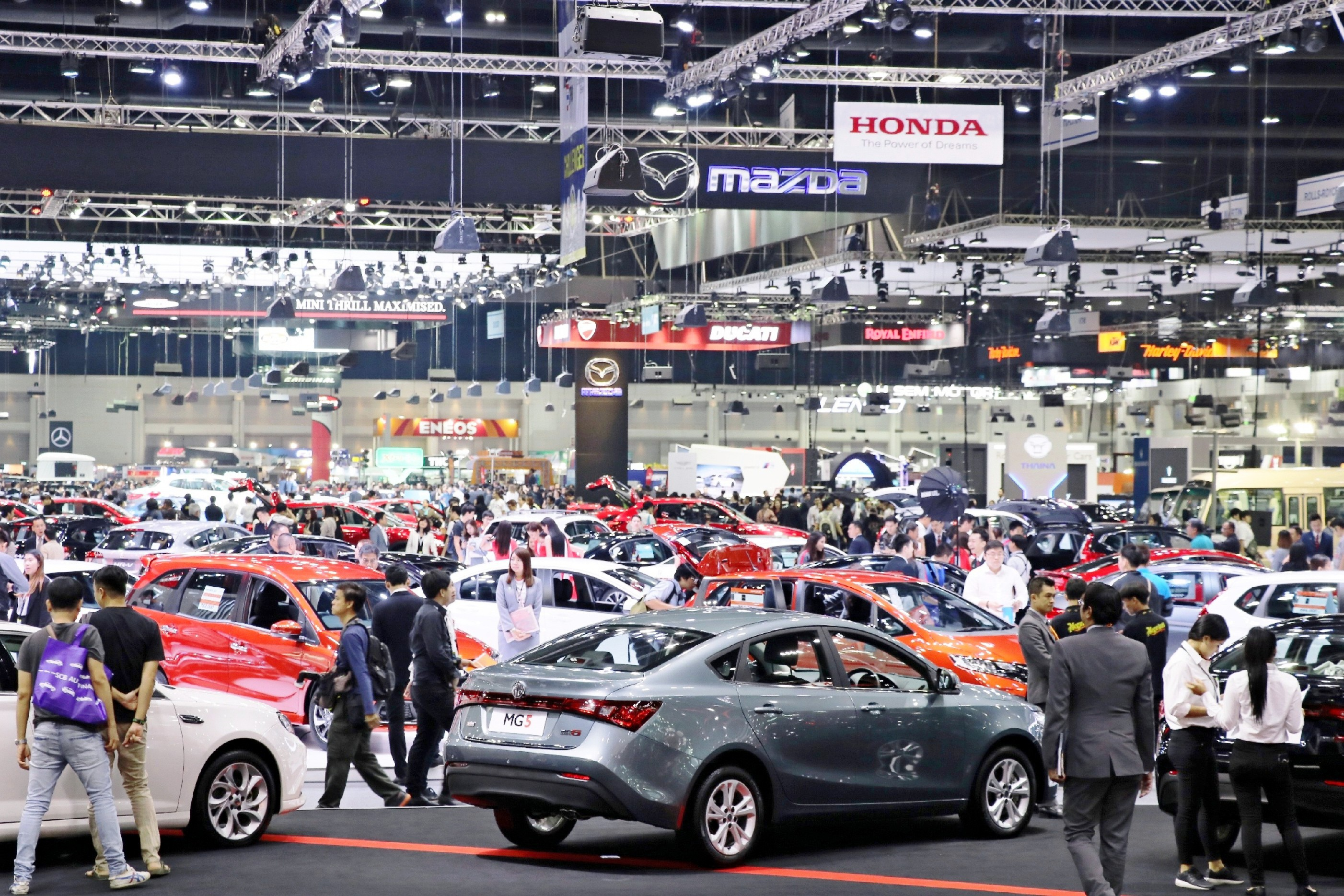 Decreasing Demand for Traditional Cars Hurts Auto Makers