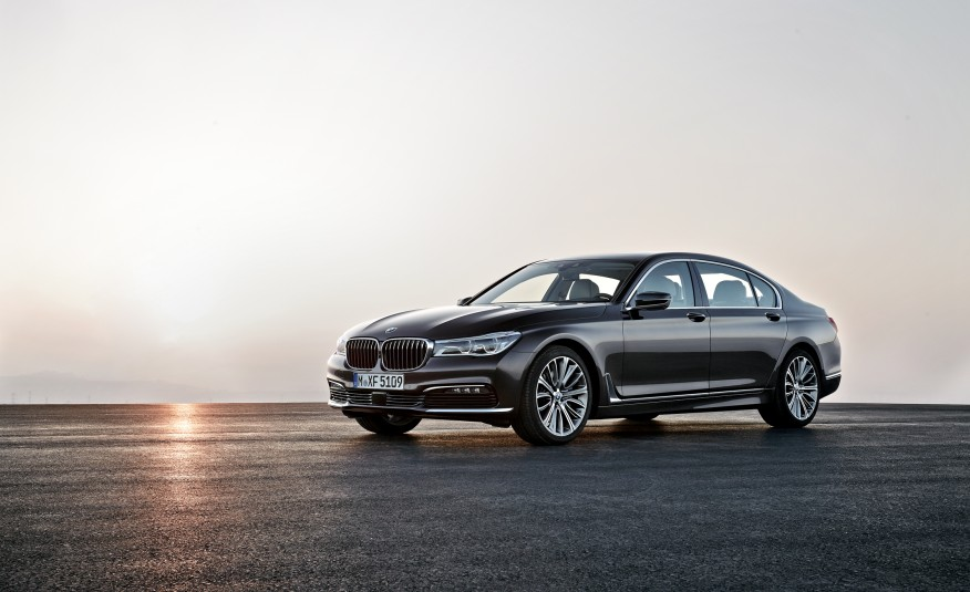 Ultra-Plush and Gadget-Stuffed 2016 BMW 7-series