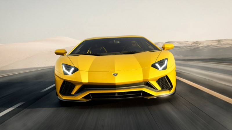 Lamborghini Aventador S seems more like iPhone S