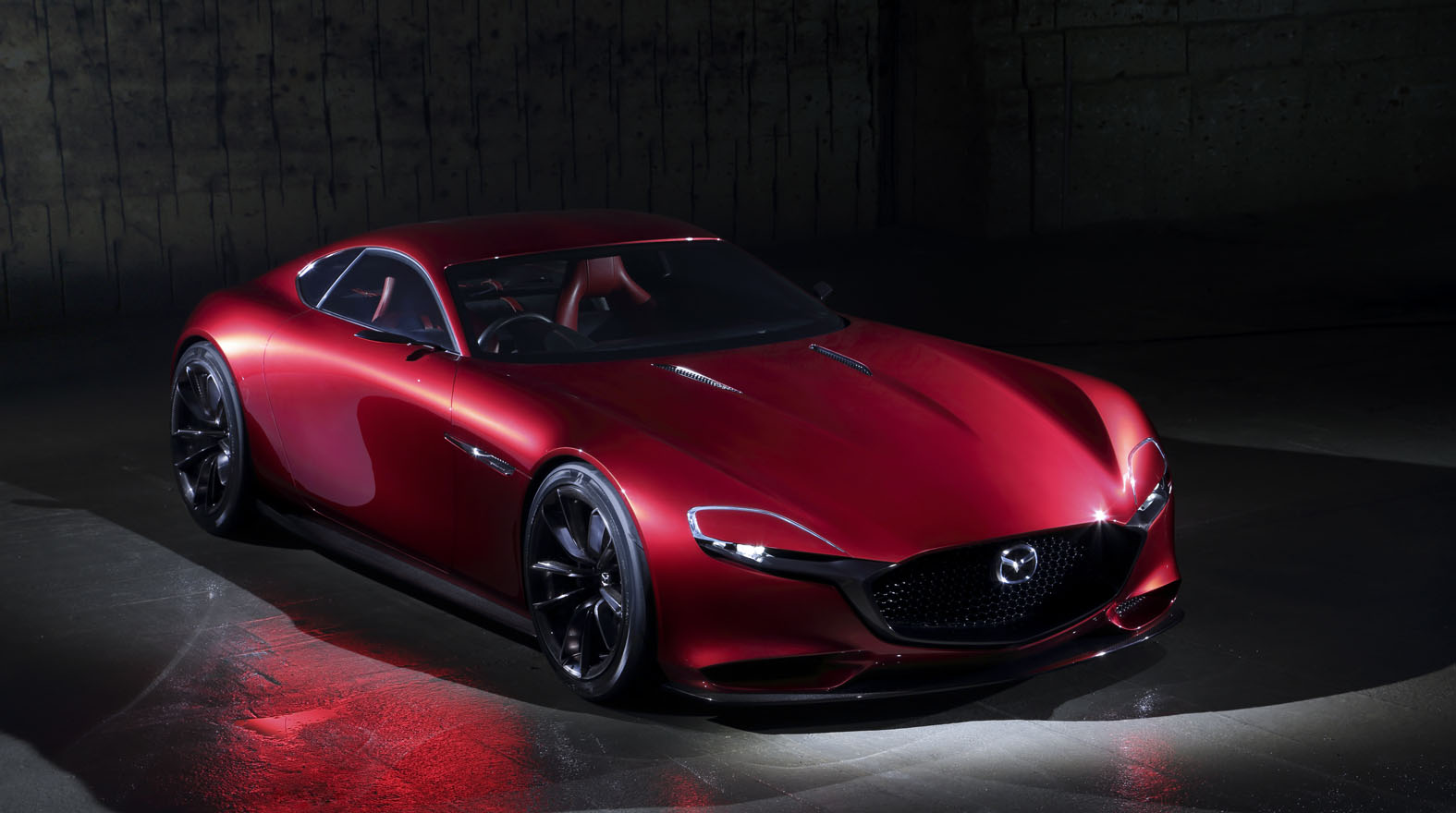The successor to the Mazda RX-8 was unveiled at the Tokyo Motor Show 2015