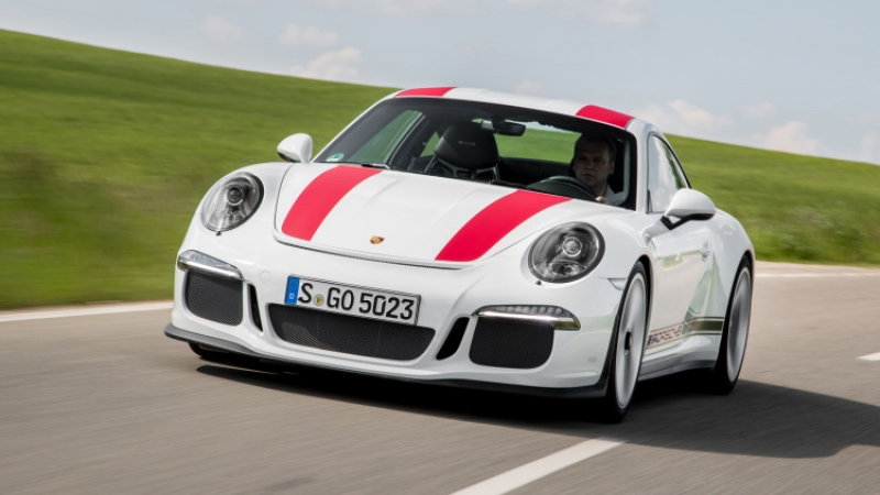 The 2016 Porsche 911 R and its absolute perfection!