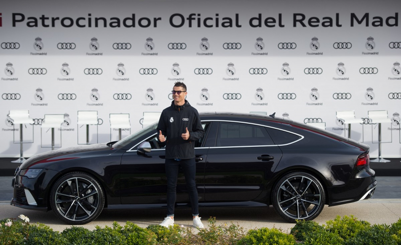 Real Madrid players get some presents delivered by Audi