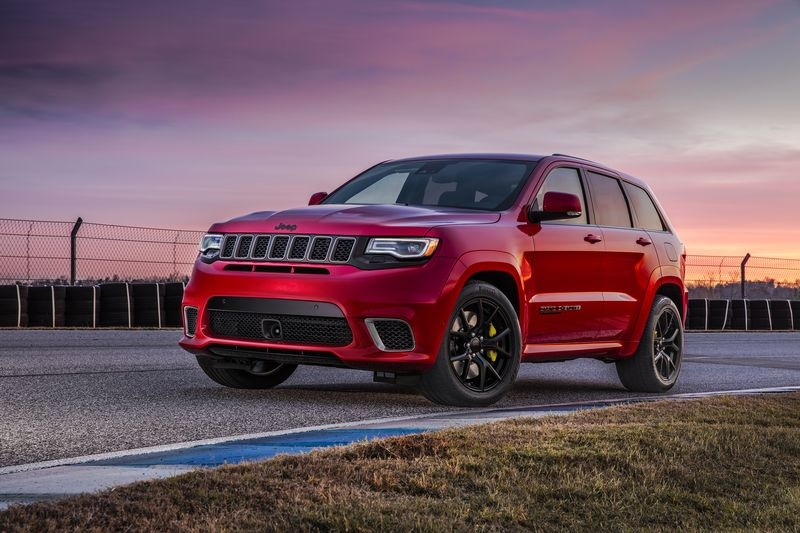 The Jeep Grand Cherokee Trackhawk can easily beat the Dodge Demon