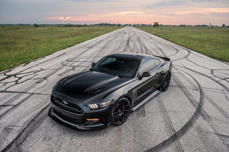 Hennessey 25th Anniversary Edition HPE800 is a Ford Mustang!