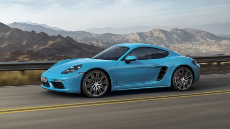 Porsche 718 Cayman might beat 718 Boxster!