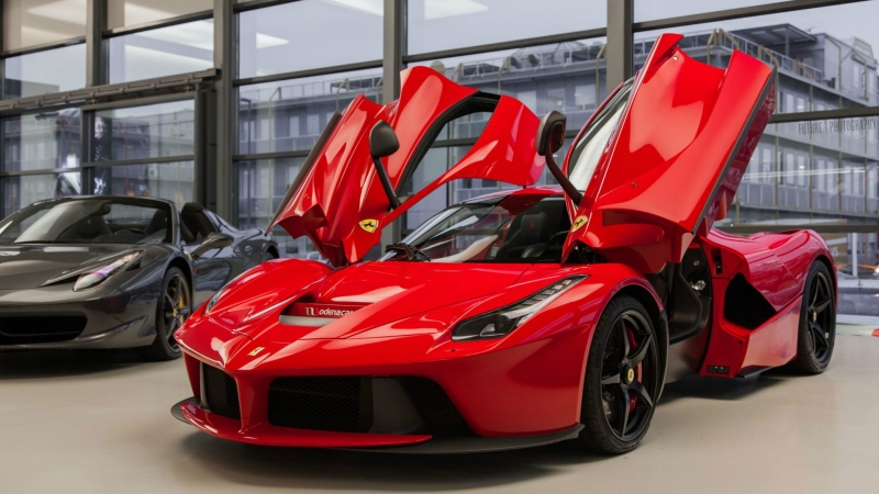 Ferrari will auction off a LaFerrari for Italian earthquake relief