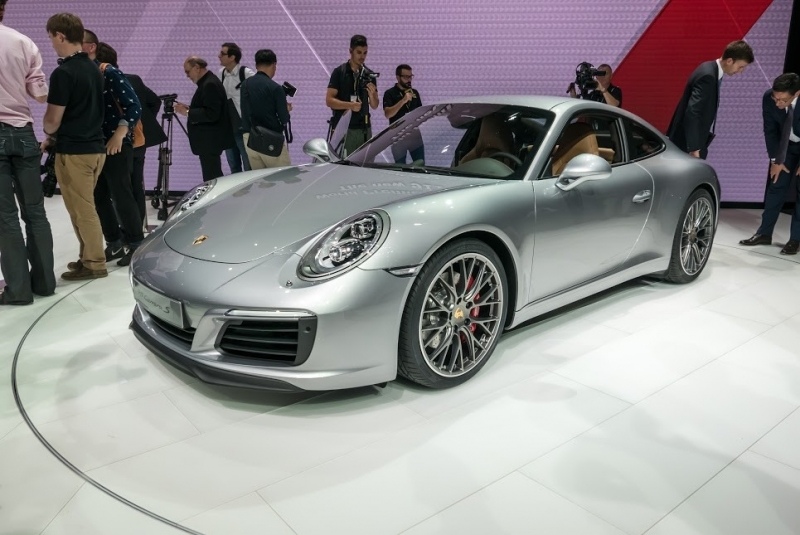 2017 PORSCHE 911 COMES WITH MORE POWER AND BETTER FUEL-EFFICIENCY!