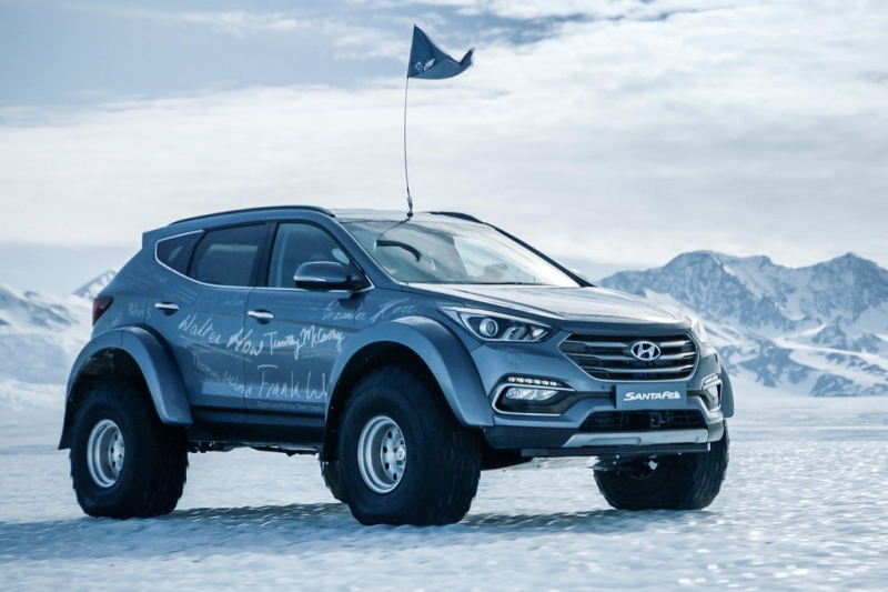 Just an ordinary Hyundai Santa Fe crossing the Antarctic
