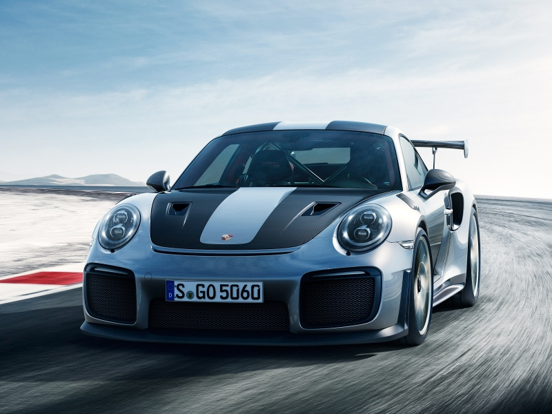 2018 Porsche 911 GT2 RS: incredibly fast and powerful