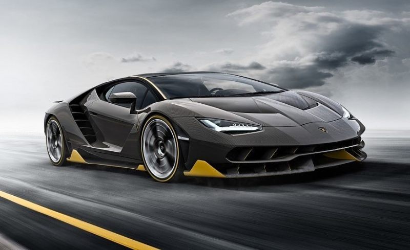 The completely gorgeous 2017 Lamborghini Centenario!