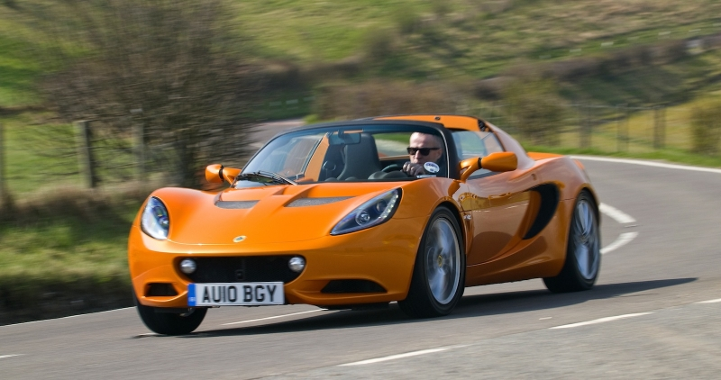 Lotus Elise beats Bentley Bentayga and other popular cars!