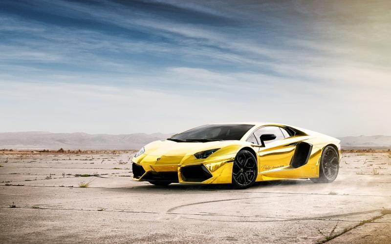 Lamborghini Aventador all made up of solid gold!
