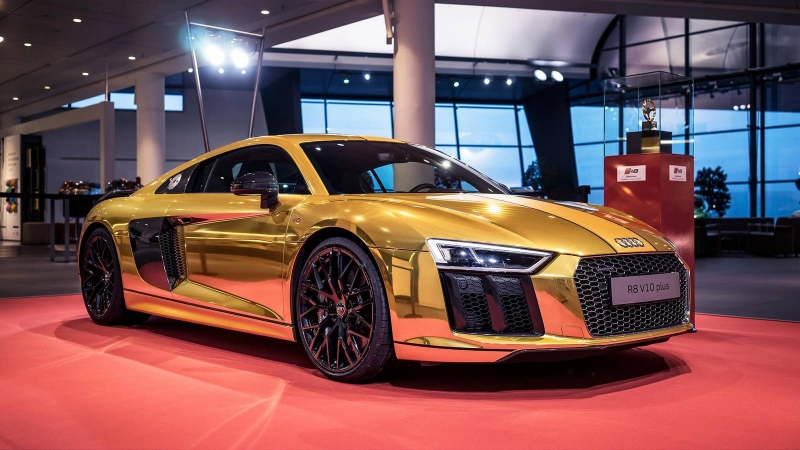 Does this Audi R8 V10 Plus wrapped in gold evoke your admiration?