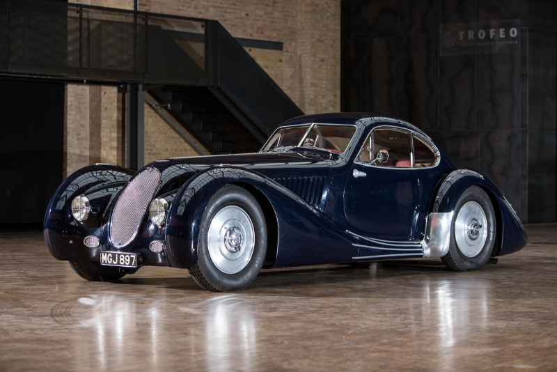 Fabulous cars auctioned at the Bonhams Grand Palais auctions 2016