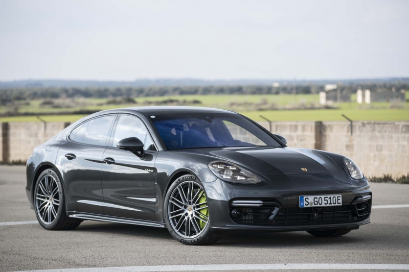 The full-efficient Porsche Panamera Turbo S E to debut soon