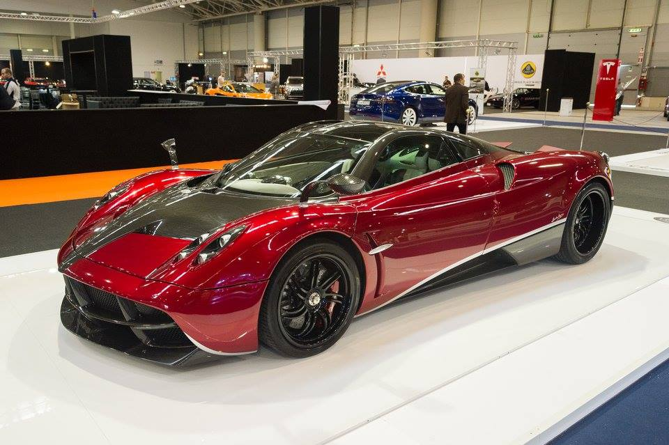 Stunning impressive new cars at 2015 Roma Auto Show