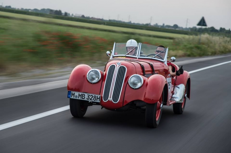 No modern sports cars at the Mille Miglia 2016 race!