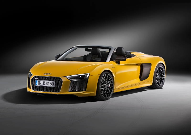 The 2018 Audi R8 comes with a Porsche Panamera engine?