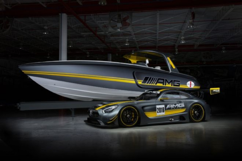 Wow! A racing BOAT inspired by the Mercedes-AMG GT3 racecar