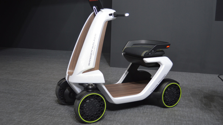 Wander Stand and Wander Walker by Honda - a real transport of the future