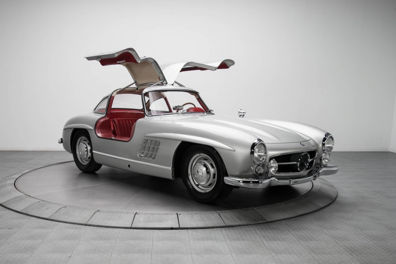 A 1954 Mercedes-Benz was sold for a record price of $1.9Million
