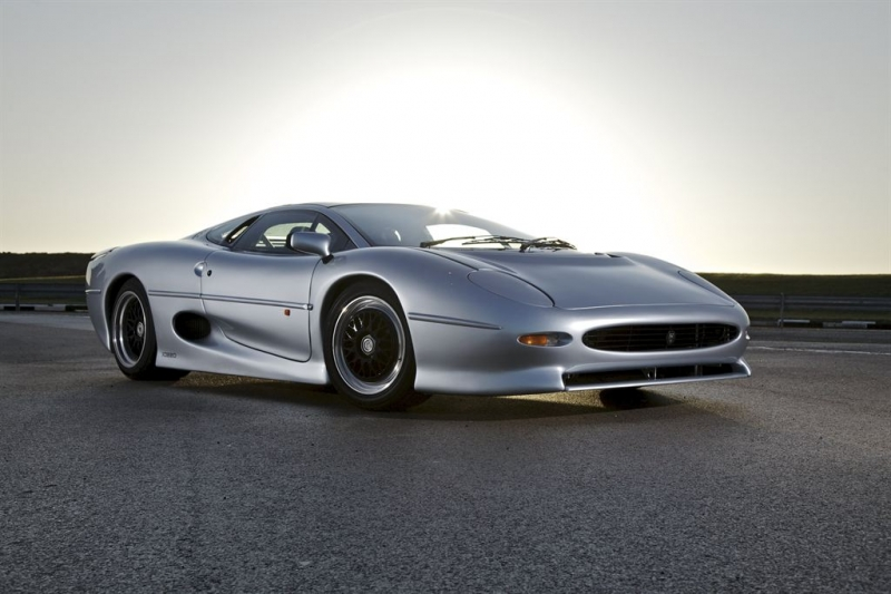 Is £325,000 a fair price for a right hand drive Jaguar XJ220s?!