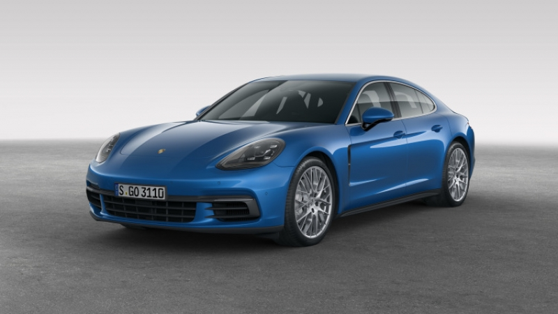 The 2017 Porsche Panamera looks better than ever!
