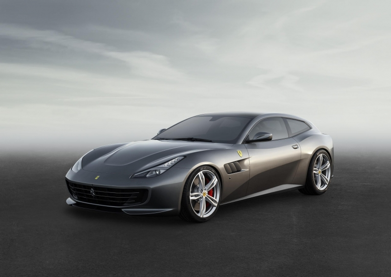 Is Ferrari GTC4Lusso more than just a successor of the FF grand tourer?!