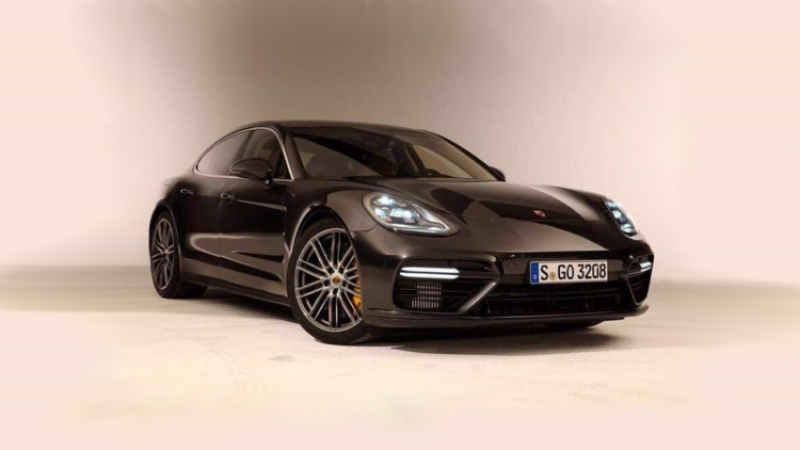 The 2017 Porsche Panamera- sporty and breathtaking !