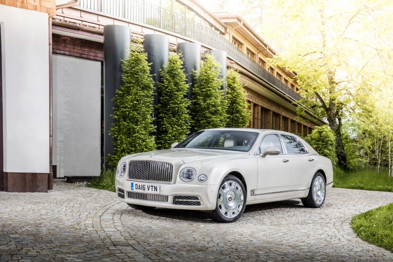 Bentley Mulsanne- the pretty piece of luxury you can't afford