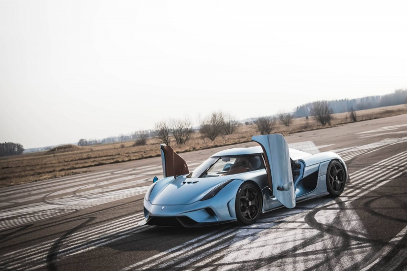 The new Koenigsegg Regera megacar seems to be able to make the world rotate